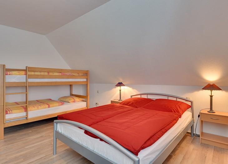 Eettafel in kleine woonkamer for - Huis slaapkamer ...