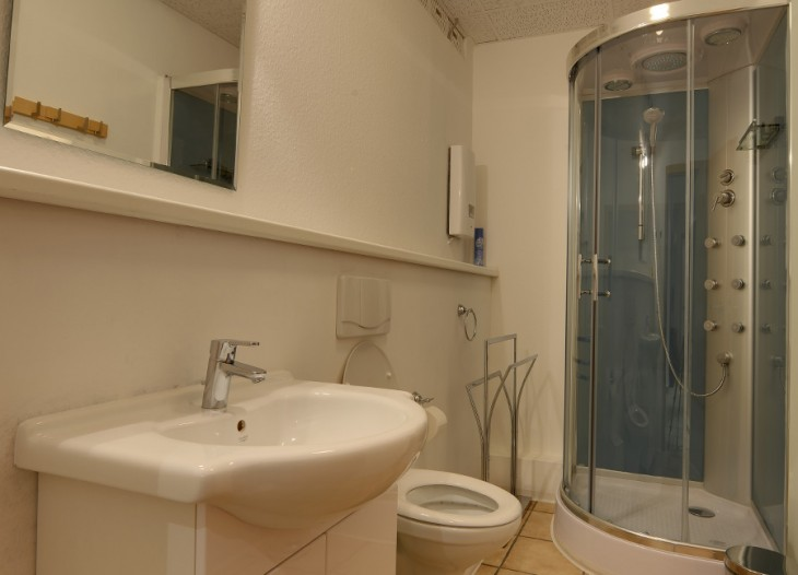 pforte-3-appartement-1-2-badkamer